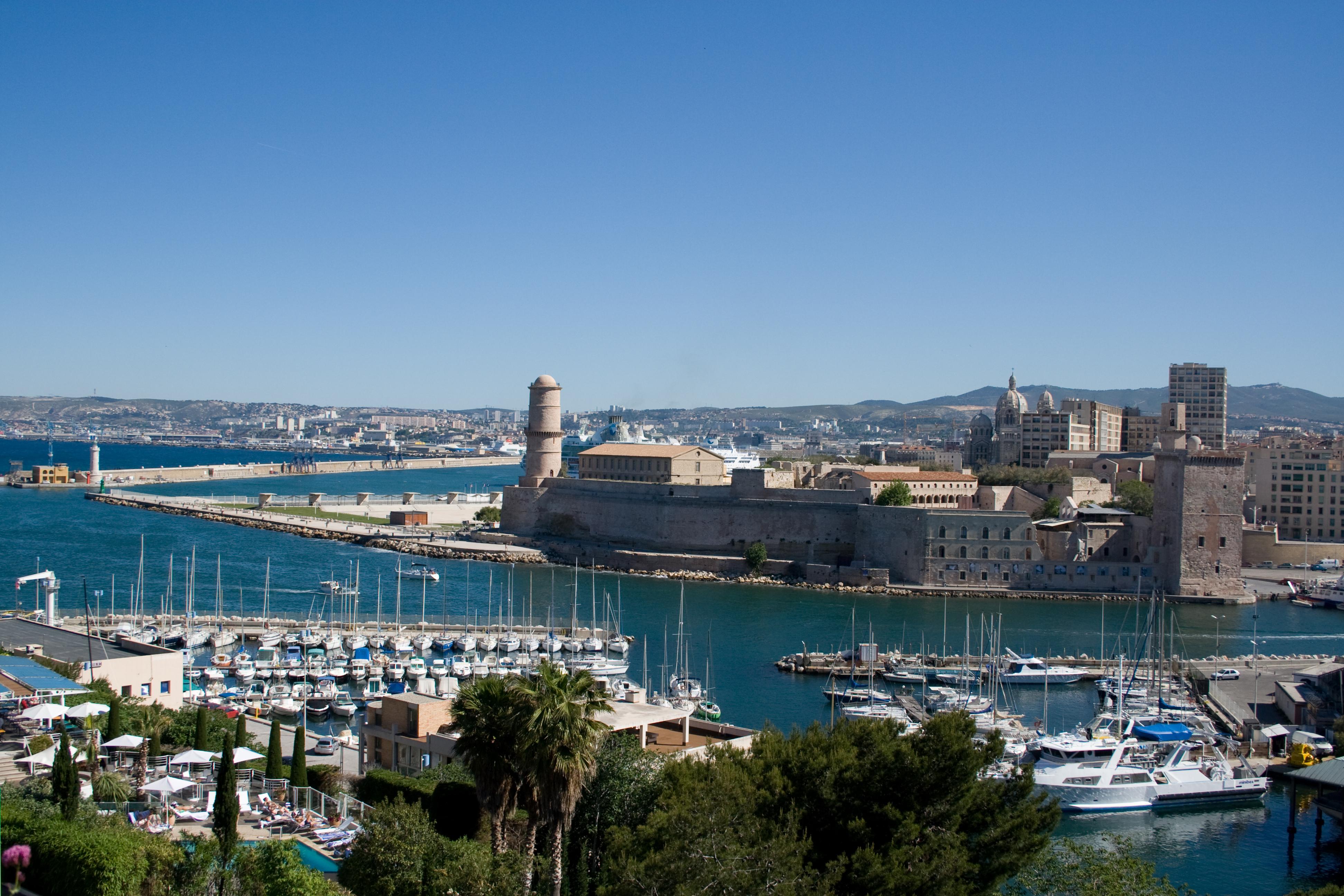 Marseille la cit phoc enne lcff - Port de marseille pour aller en algerie ...