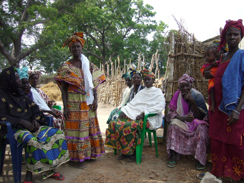 Femmes, foncier(1) et  développement durable