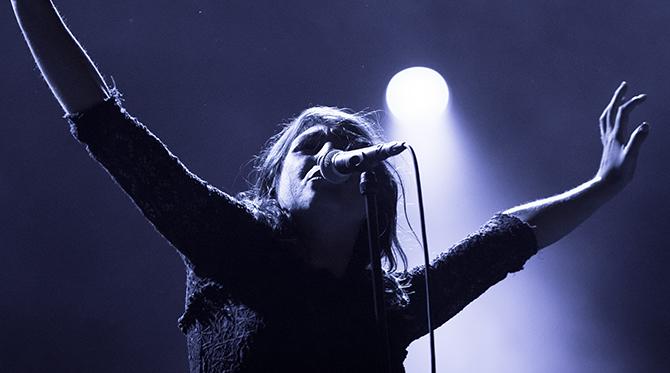 Izia,  La vague (2015 – Barclay)